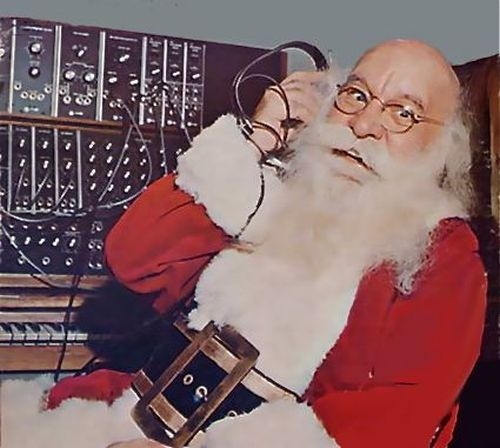 santa-plays-moog
